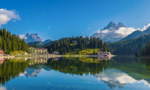 landscape-1490688219-lago-di-misurina